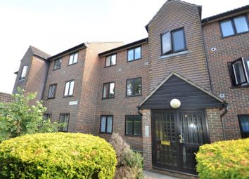 Poplar Court, Station Road, Pulborough, West Sussex RH20. 2 bed flat