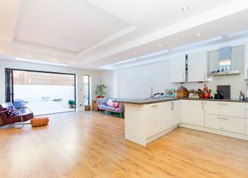 Thumbnail 2 bed flat to rent in Fulham Palace Road, London