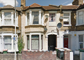 Thumbnail 2 bedroom flat to rent in Glasgow Road, Plaistow
