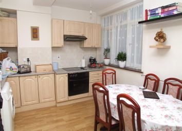 Thumbnail 2 bed flat to rent in High Street, Harlesden