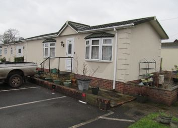 Thumbnail 2 bed mobile/park home for sale in Devon Close, Yorktown Road, Sandhurst, Berkshire