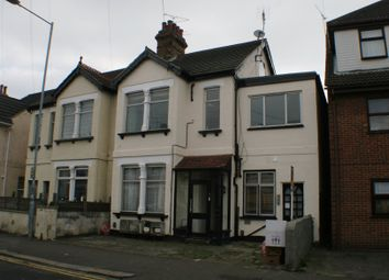 Thumbnail 1 bedroom flat to rent in South Avenue, Southend-On-Sea