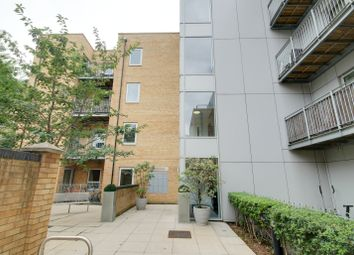 1 bed property to rent in Storehouse Mews, London E14