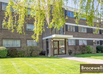 Thumbnail 2 bedroom flat for sale in Station Road, New Barnet