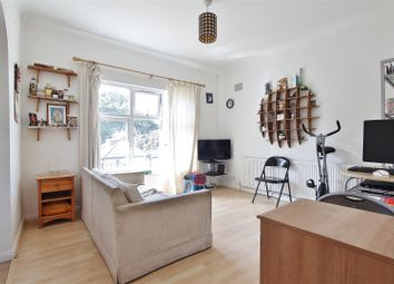 Thumbnail 2 bed flat to rent in The Avenue, Hounslow