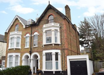 Thumbnail 1 bed property to rent in Queens Road, London