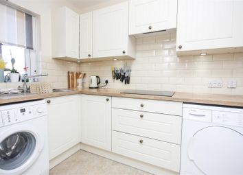 Victoria Street, Weymouth DT4. 2 bed flat