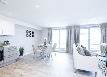 Thumbnail 1 bed flat to rent in Kingsway, Hove