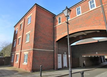 Thumbnail 2 bedroom flat for sale in Knightsbridge Place, Aylesbury