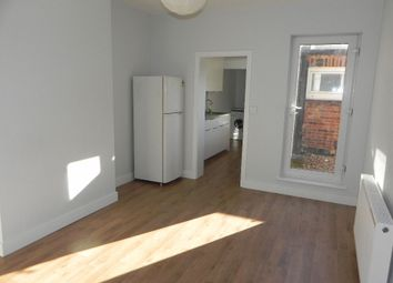 Thumbnail 1 bed flat to rent in Ludlow Road, Guildford