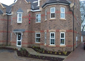Thumbnail 3 bed flat to rent in Folkwood Grove, Highgrove, Ringinglow Road