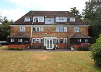 Thumbnail 2 bed flat for sale in Deans Lane, Walton On The Hill, Tadworth