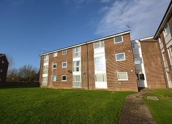 2 bed flat for sale in Lupin Drive, Chelmsford, Essex CM1