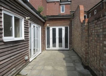 Thumbnail 2 bedroom flat to rent in Russell Hill Road, Purley