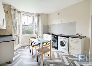 Room to rent in Coleridge Road, London N8