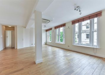 Thumbnail 2 bed flat to rent in Spa Green Estate, Rosebery Avenue, London