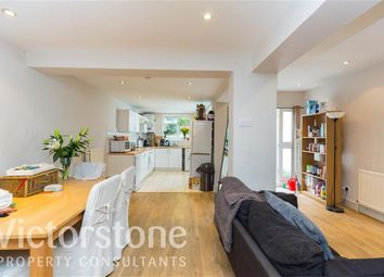 Thumbnail 2 bed flat to rent in Wandsworth Road, Wandsworth, London