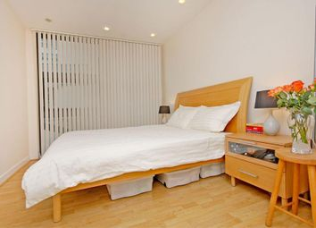 Thumbnail 1 bed flat to rent in Manilla Street, Canary Wharf