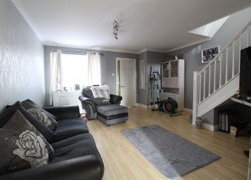 3 bed property for sale in Honeysuckle Gardens, Ipswich IP2