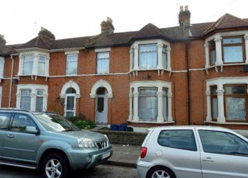 Thumbnail 1 bed flat to rent in Kenilworth Gardens, Ilford