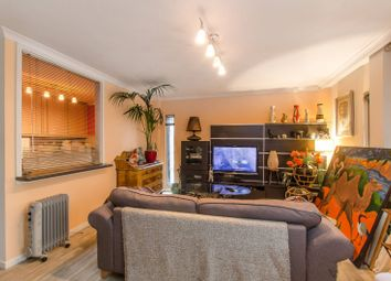 Thumbnail 1 bed flat for sale in Upper Thames Street, Blackfriars