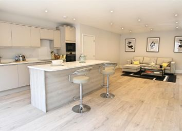 Thumbnail 4 bedroom detached house for sale in Kimble Crescent, Bushey