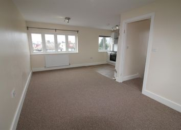 Room to rent in Watford Way, London NW4