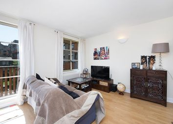 Thumbnail 1 bed flat to rent in Queen Elizabeth Street, London