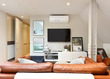Thumbnail 1 bed flat to rent in Effie Road, Fulham