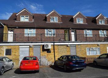 St. Dunstans Close, Hayes UB3. 2 bed flat