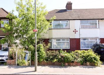Thumbnail 3 bed terraced house to rent in Westcombe Drive, Barnet