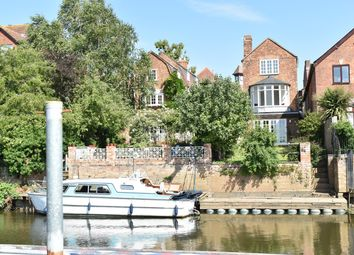 High Street, Tewkesbury GL20. 3 bed detached house for sale