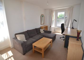 Thumbnail 1 bed flat to rent in Chertsey Road, London