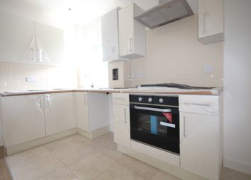 Thumbnail 2 bed flat to rent in Grosvenor Way, Clapton