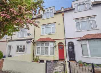 Thumbnail 1 bed flat for sale in Glendale Gardens, Leigh-On-Sea, Essex