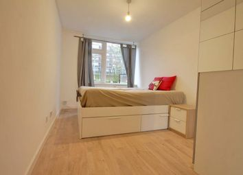 Room to rent in Lockwood Square, London SE16