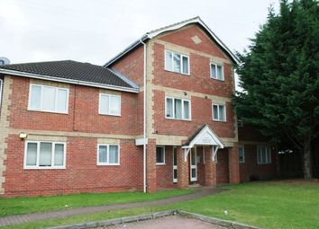 2 bed flat to rent in Hawthorne Crescent, Slough SL1