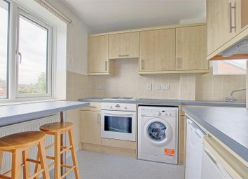 Thumbnail Flat to rent in Chatsworth Avenue, Cambridge
