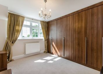 Thumbnail 2 bed flat to rent in Grange Grove, London