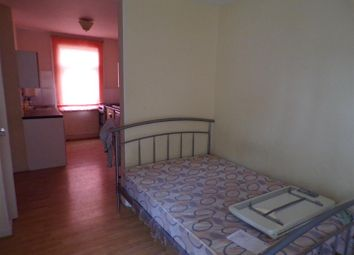 Thumbnail 1 bed flat to rent in Cambria Bridge Road, Swindon