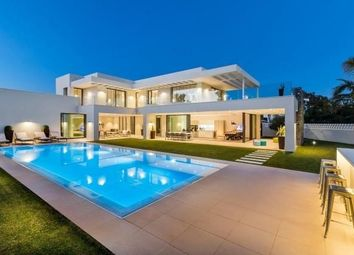 Thumbnail 6 bed villa for sale in Málaga, Puerto Banús, Spain