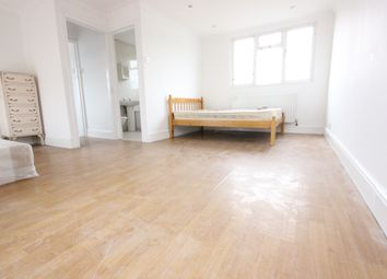 Thumbnail 3 bed maisonette to rent in Bunns Lane, Mill Hill