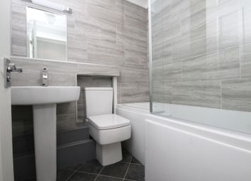 Thumbnail 2 bedroom flat to rent in Parchment Street, Chichester