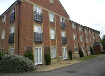 Thumbnail 2 bed flat to rent in Robertson Road, Berkhamsted