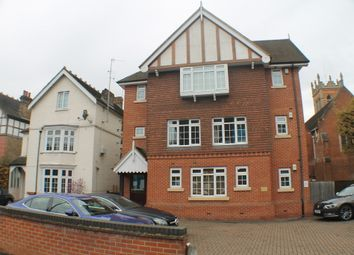 Thumbnail 2 bed flat to rent in Sandford Road, Bromley
