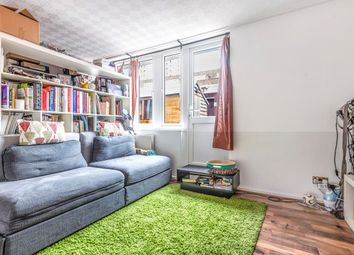 3 bed flat to rent in Watney Market, London E1