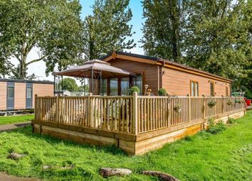 Thumbnail 2 bedroom mobile/park home for sale in Mallard View, Billing Aquadrome, Crow Lane, Northampton