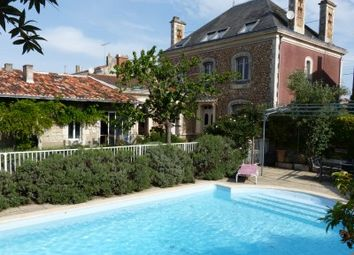 Thumbnail 11 bed property for sale in Lucon, Vendée, France