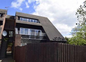 2 bed flat to rent in Abingdon Court, Basildon, Essex SS13