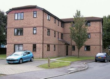 Thumbnail 2 bed flat to rent in Tanyard Close, Horsham